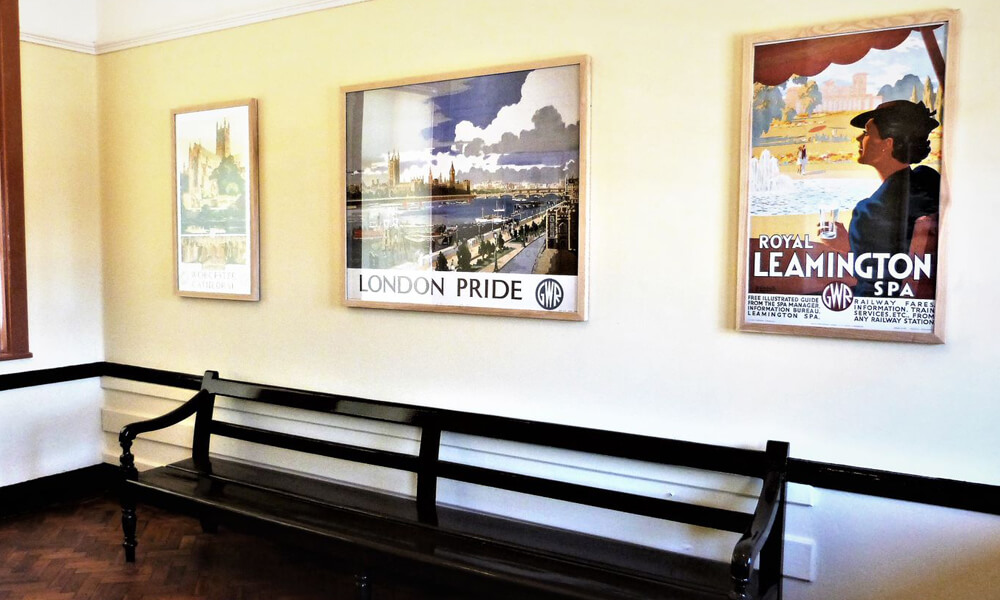 Dorridge station waiting room