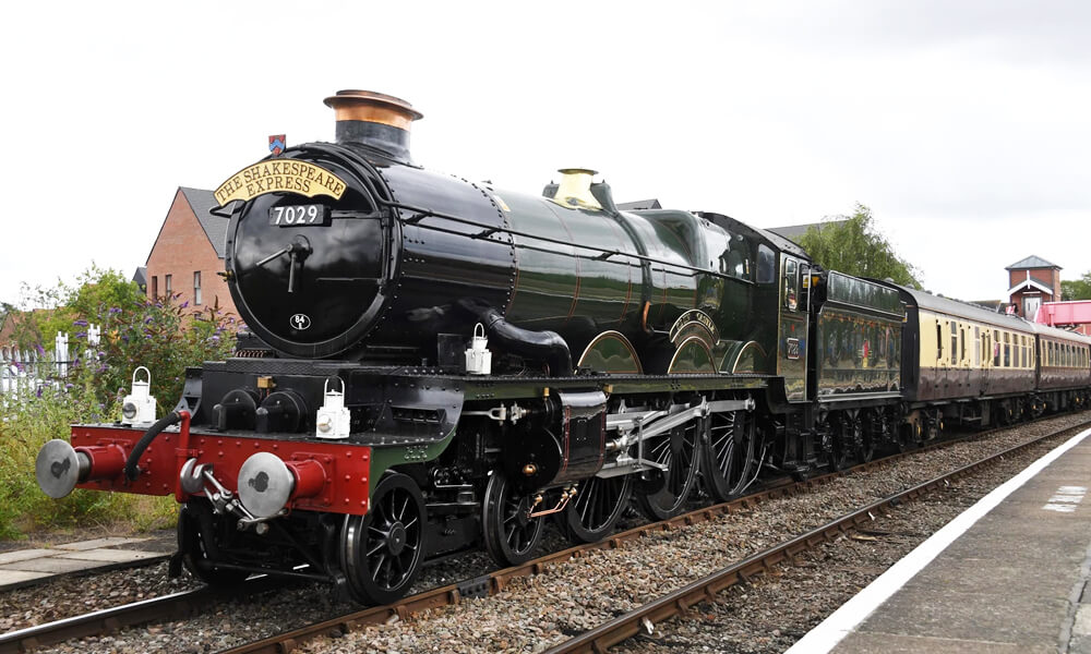 Front view of Shakespeare express train